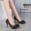 รองเท้าคัทชูซาตินแต่งดอกไม้ (สีดำ)