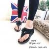 รองเท้าแตะเสริมส้นแต่งดอกไม้ Style CC (สีดำ)