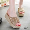 รองเท้าลำลองส้นเตารีด MIUMIU Gliter (สีทอง)