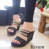 รองเท้าส้นเตารีดคาดทอง Zara Style (สีดำ)
