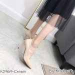 รองเท้าคัทชูส้นสูงแต่งอะไหล่ (สีครีม)