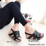 รองเท้าส้นเตารีดแต่งสายคาด (สีดำ)