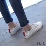 รองเท้าผ้าใบเมจิกเทปแต่งลายส้น (สีแดง)