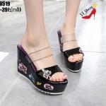 รองเท้าส้นเตารีดคาดใสแต่งลายดอกไม้ (สีดำ)