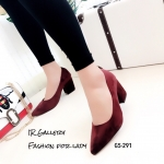 รองเท้าคัทชูส้นตันทรงหุ้มส้น (สีแดง)