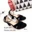 รองเท้าส้นตันกำมะหยี่รัดข้อ (สีดำ) thumbnail 3