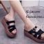 รองเท้าลำลองส้นเตารีดแต่งเข็มขัด (สีดำ) thumbnail 1