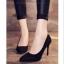 รองเท้าส้นเข็มกำมะหยี่สีดำ thumbnail 4