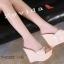 รองเท้าส้นเตารีดสวมแต่งหมุด (สีชมพู) thumbnail 15