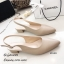 รองเท้าคัทชูรัดส้นทรงหัวแหลม (สีครีม) thumbnail 1