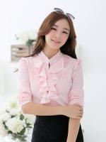 เสื้อเชิ้ตทำงานสีชมพู แขนยาว คอเย็บตกแต่งด้วยมุุก หน้าอกเย็บระบาย เอวเข้ารูป สวยหรู