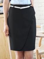 กระโปรงทำงานสั้นสีดำ ทรงเข้ารููป ใส่กับเสื้อเชิ้ต ก็สวยดูดี