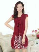 ชุดเดรสสั้นสีแดง แขนสั้น ผ้าชีฟอง ช่วงกระโปรงพิมพ์ลายสีขาว สวยหรู