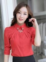 เสื้อเชิ้ตทำงานสีแดง แขนยาว เอวเข้ารูป คอปกตกแต่งประดับด้วยเพชร สวยหรู