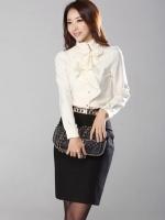 เสื้อทำงานดูดีสีขาว คอเต่า แขนยาว ผ้าชีฟอง ประดับริ้วผ้าด้านหน้า