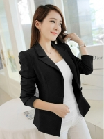 เสื้อสูททำงานสีดำ แขนยาว คอปก เอวเข้ารููป เย็บกระดุม และ กระเป๋าหน้า สวยหรู