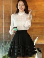 เสื้อทำงานสีขาว ผ้าชีฟองประดับด้วยผ้าลูกไม้ แขนยาว คอเต่า